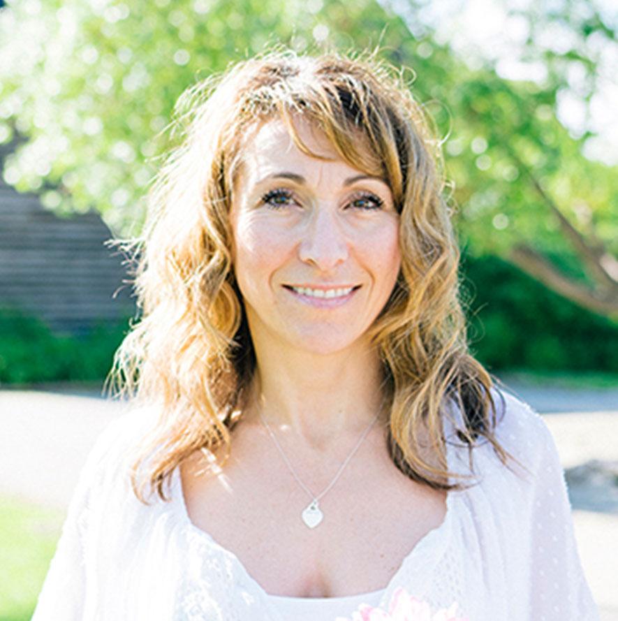 Headshot of Nicole, Dental Assistant
