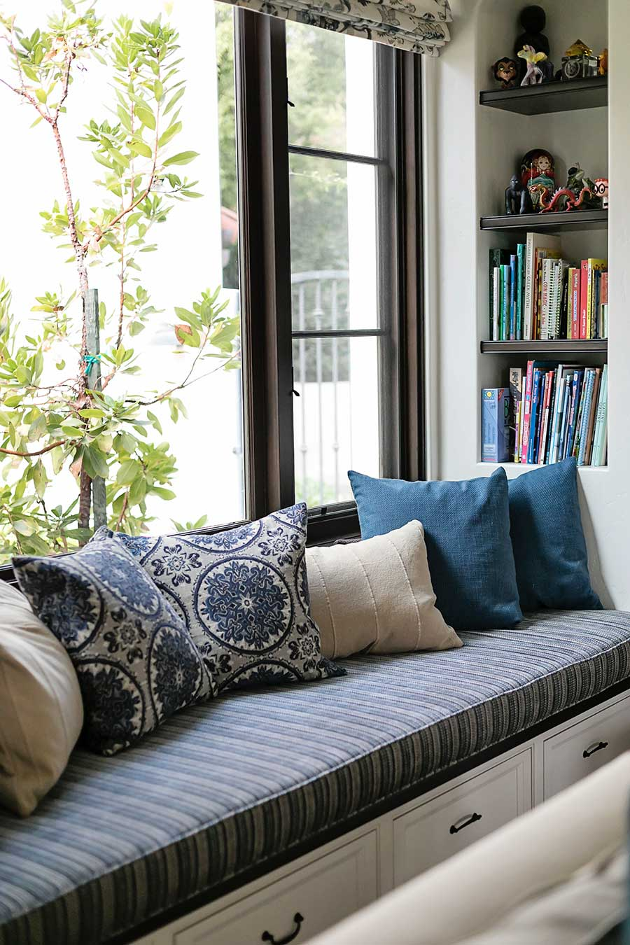 Window Seat With Pullout Storage