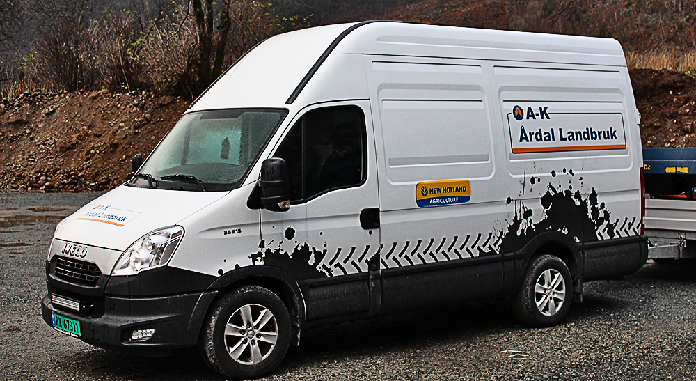 Servicebil fra Årdal Landbruk