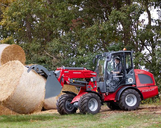 Mini traktor med høyball