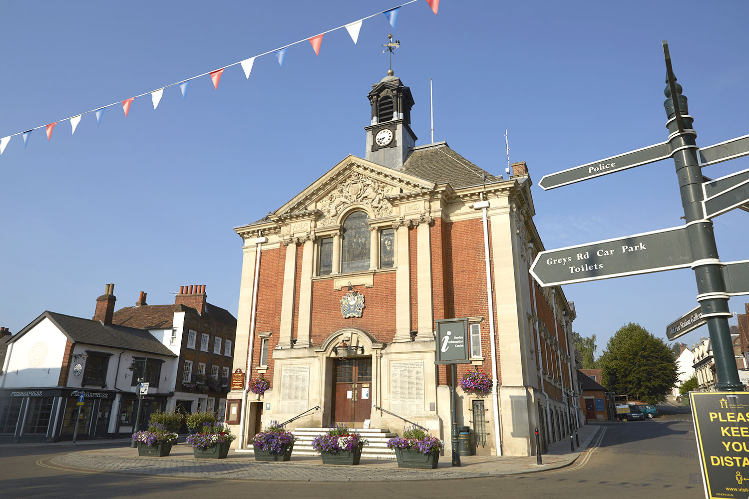 Henley Town Council - old, well maintained building in Henley