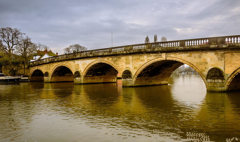 Henley Town Council - Henley bridge