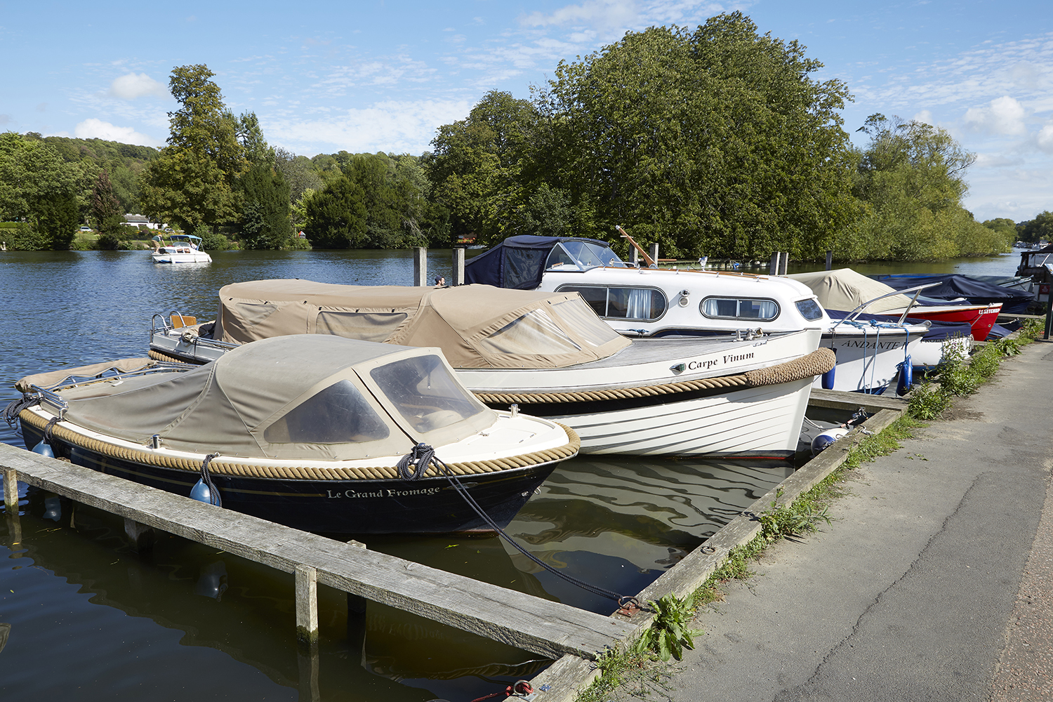 Henley Town Council - boats moored in Henley