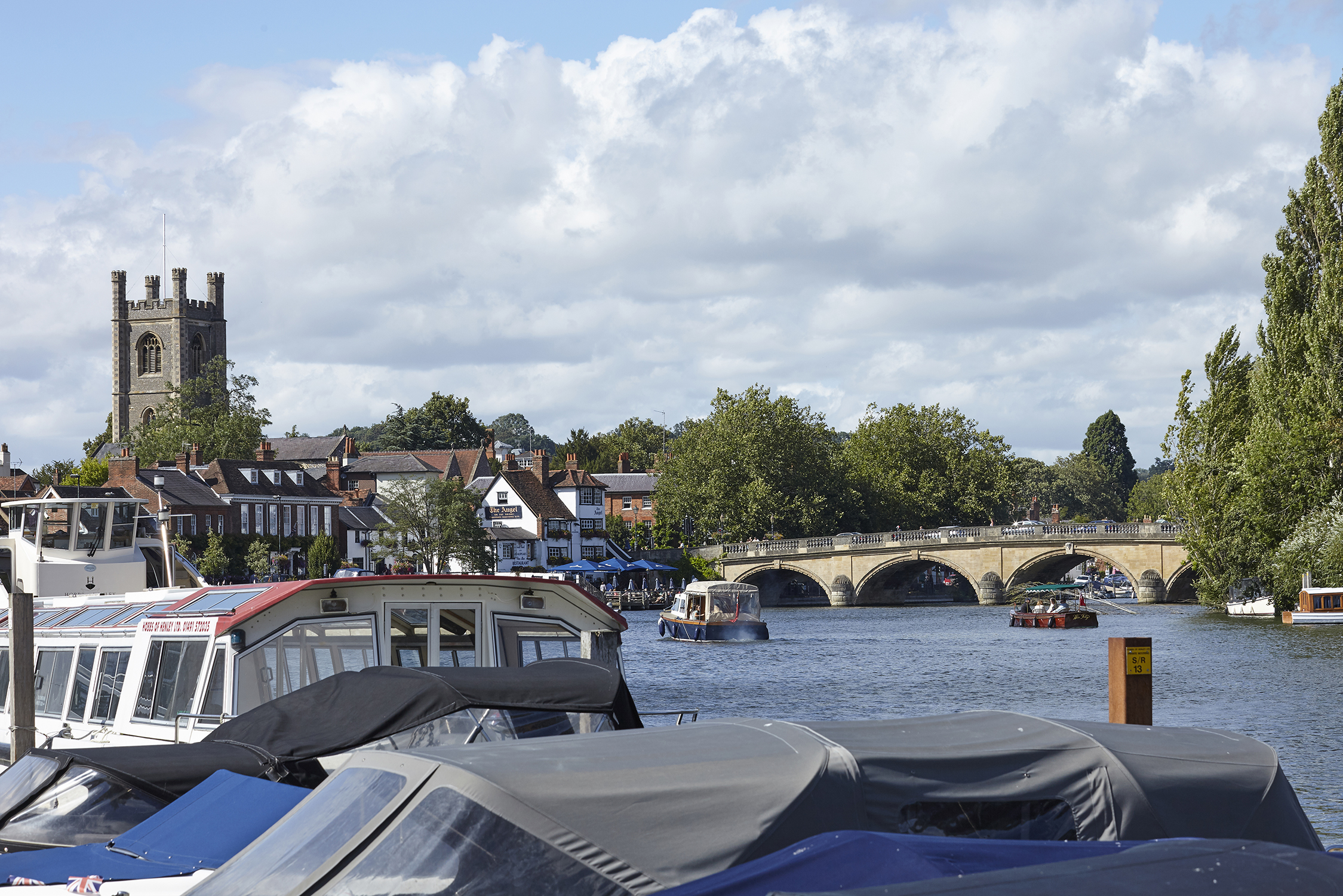 Henley Town Council - Moorings in front of the town