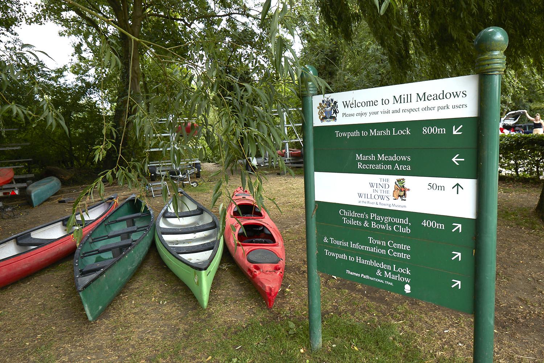 Henley Town Council - Henley park information centre board