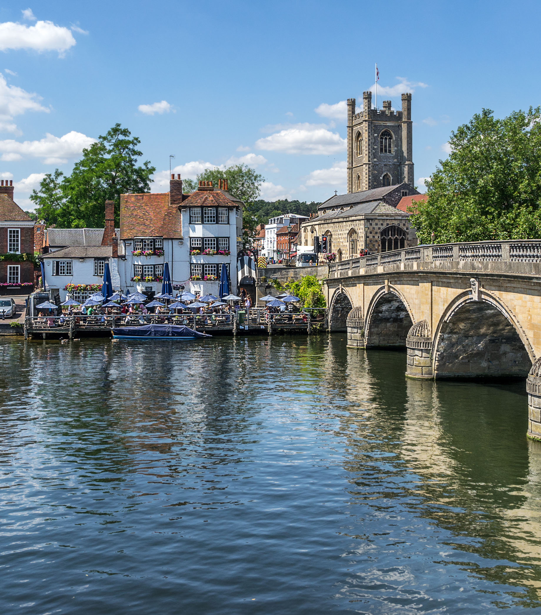 Henley Town Council - picturesque scene of Henley's river