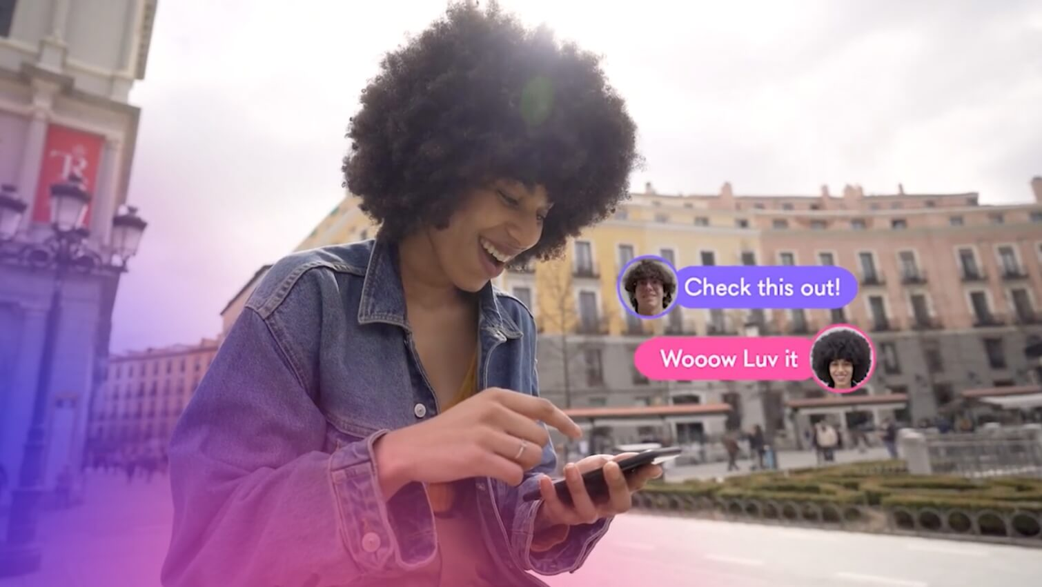 Volograms - girl is using the app