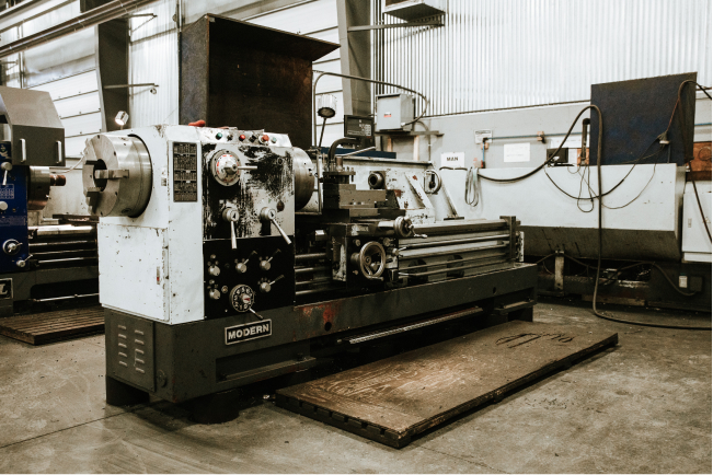 Modern DY680x2000g Manual Lathe