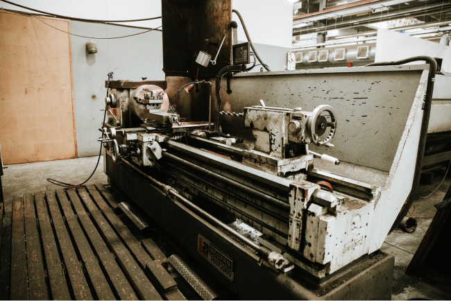 Modern LA560x2000 Manual Lathe
