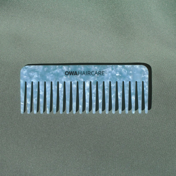 The Crystal Blue Comb