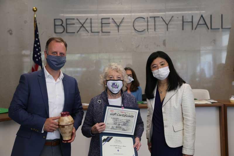 womens award winners and mayor of bexley, ohio