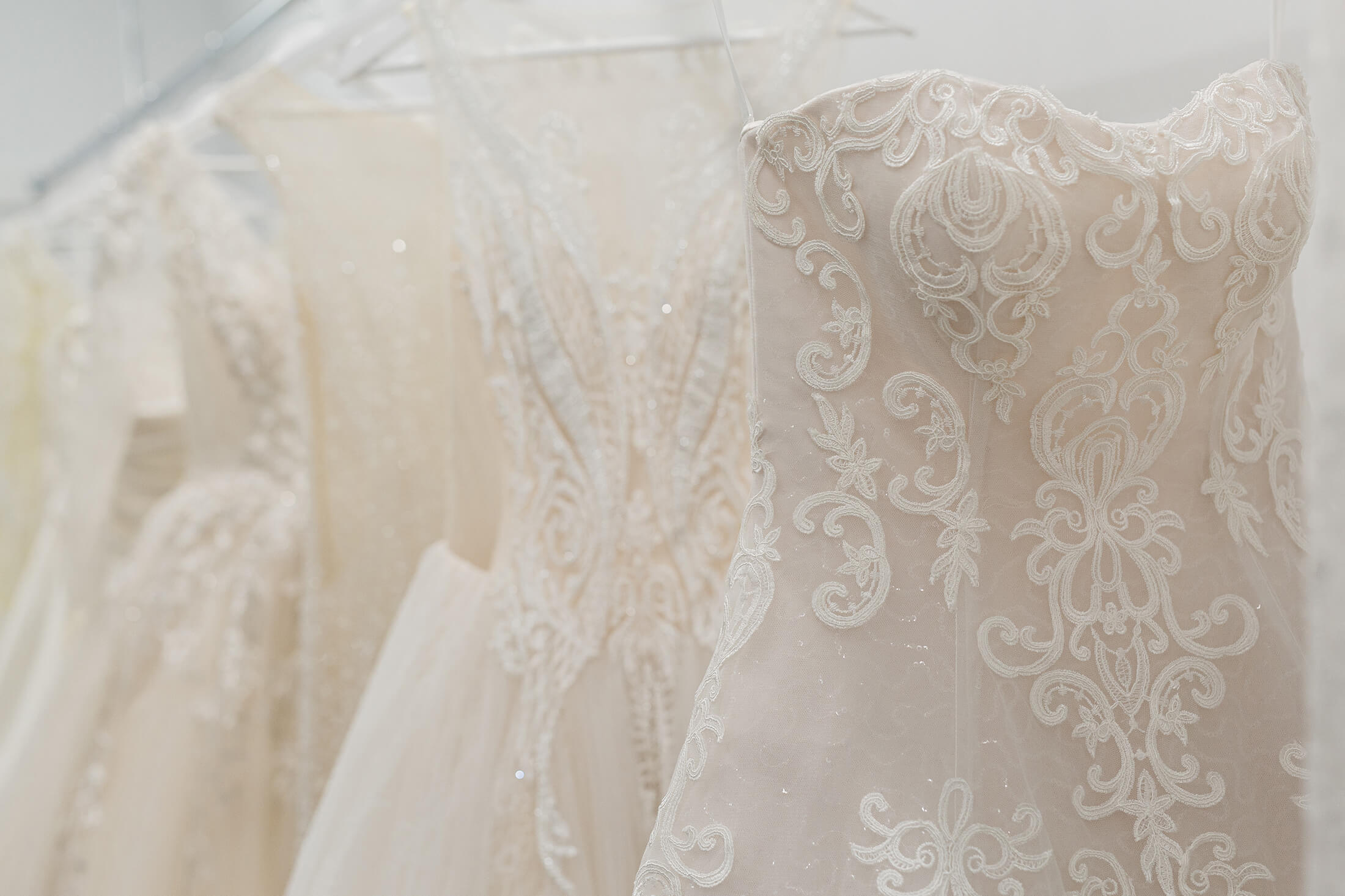 How To Pick The Right Wedding Dress
