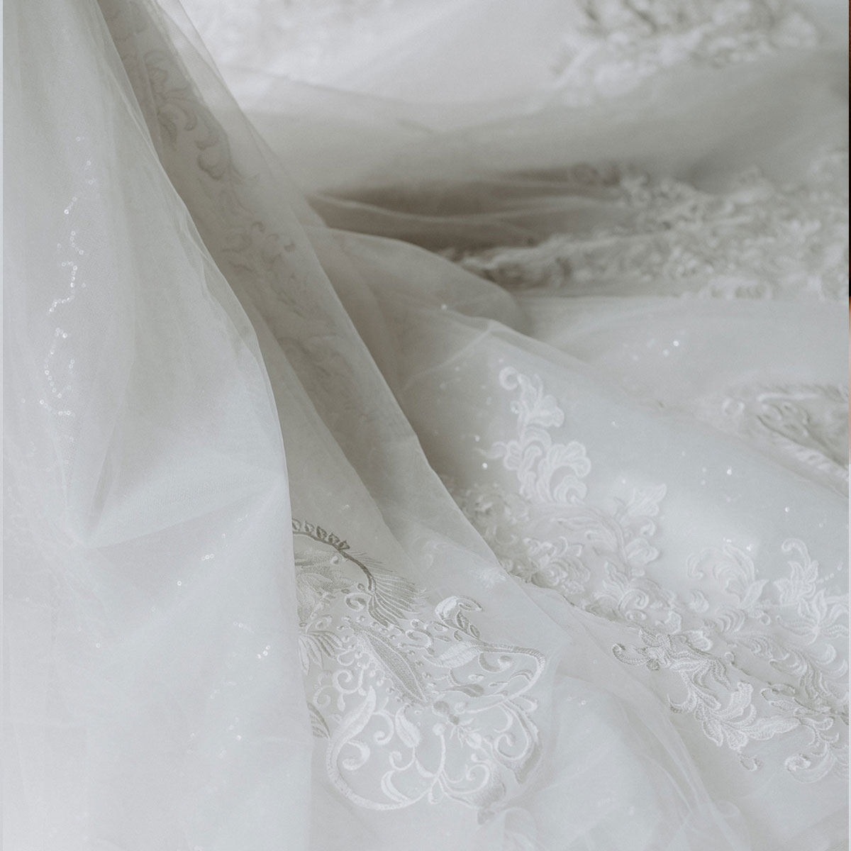whats in a wedding dress1
