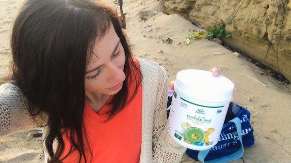 Sophie Summers Reviews Green Superfood Shake