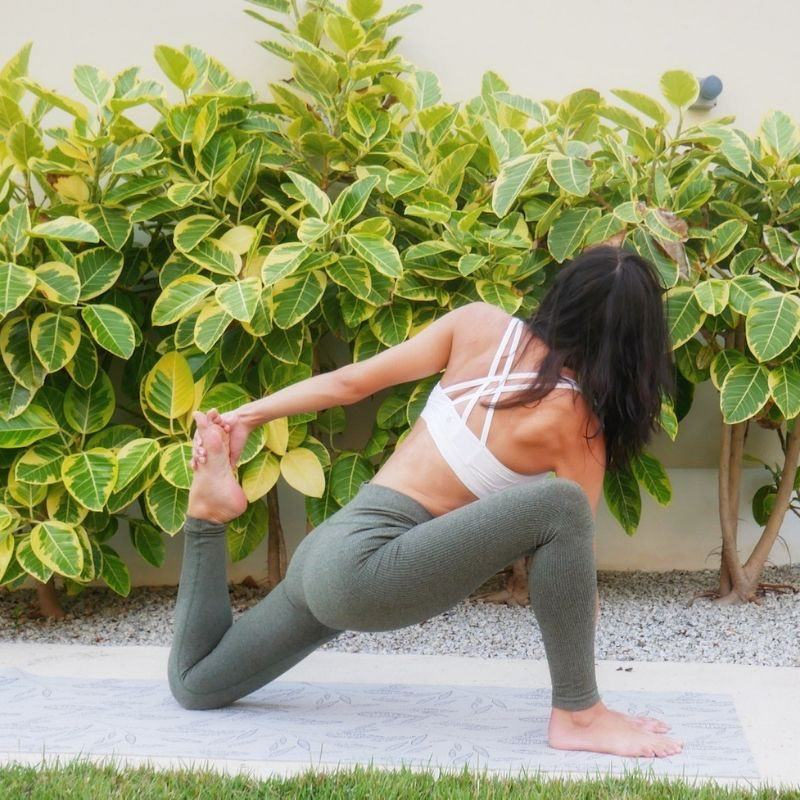 Fitness Junkies yoga leggings and outfit