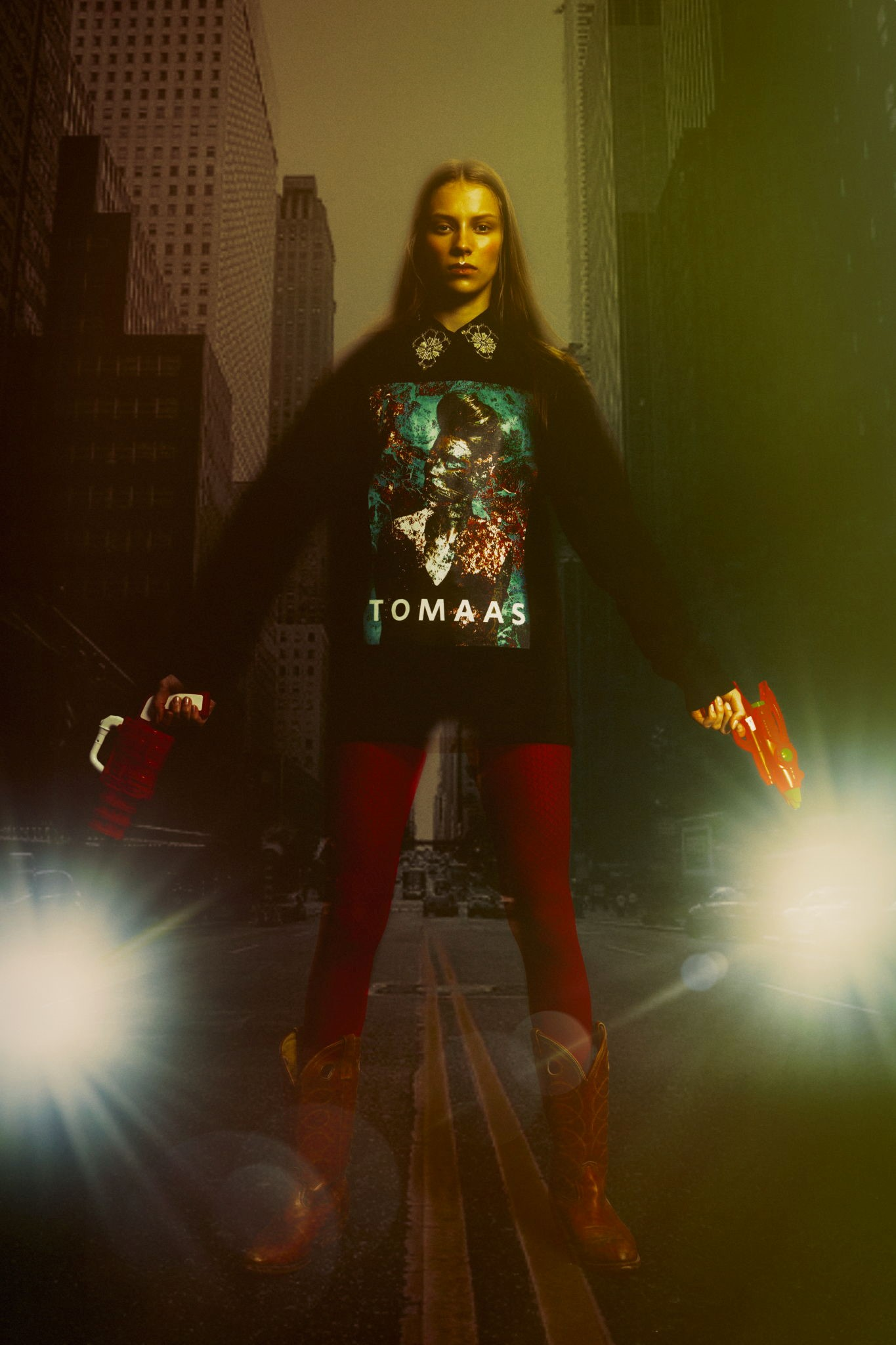 sweatshirt : tomaas boots and shirt : vintage