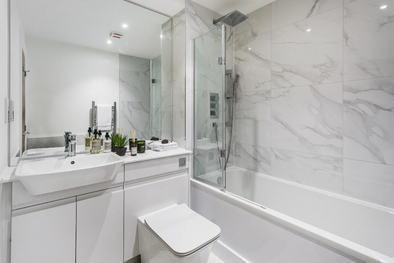 Westmede Trinity Place Bathroom