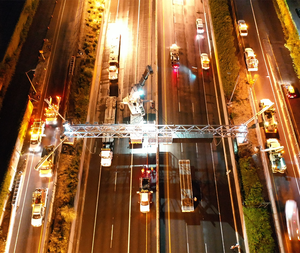 Night time electrical work on major freeway