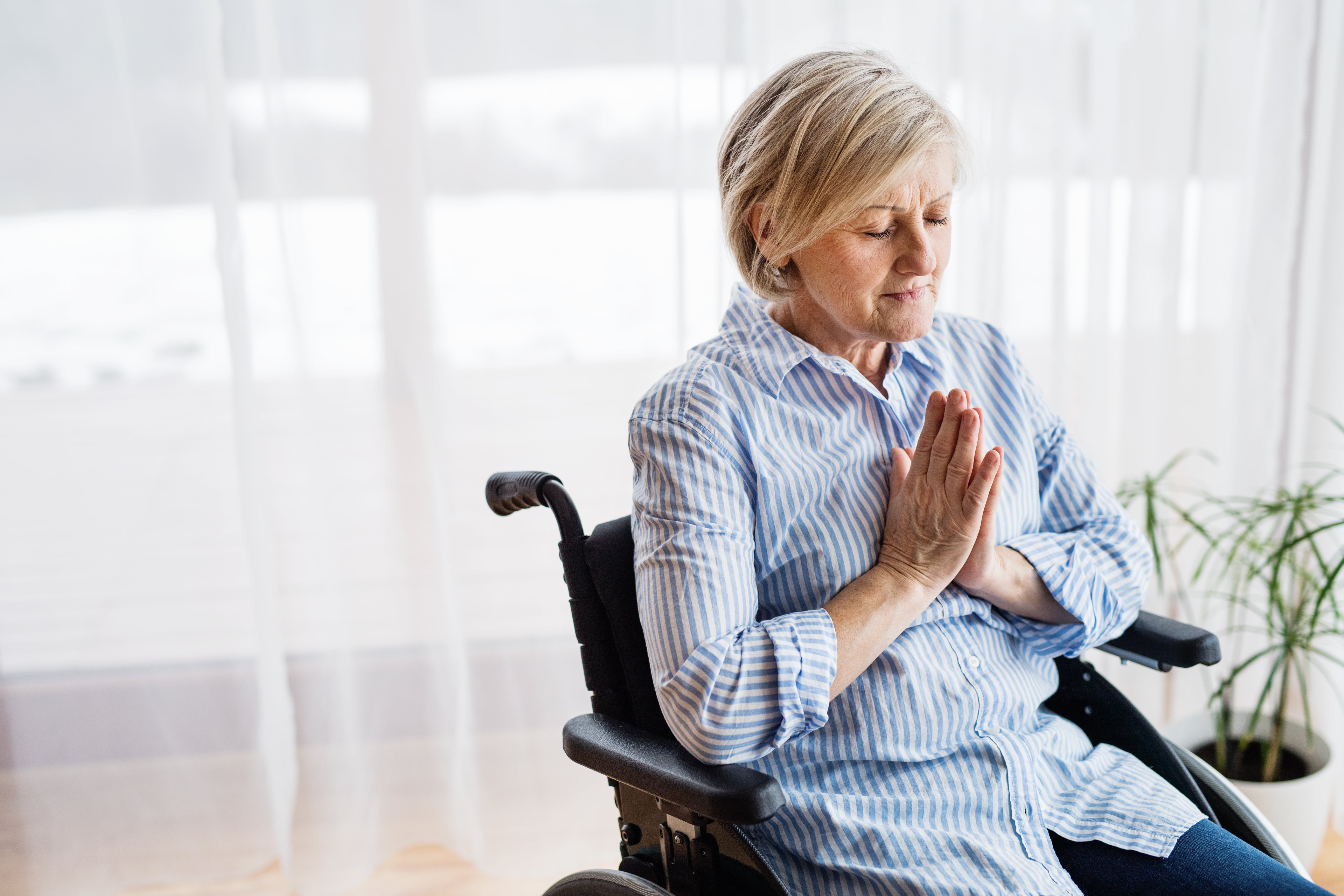 Four Psalms to Pray Over In Your Assisted Living Community This Summer