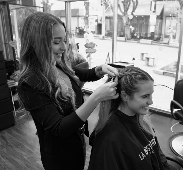 Victoria cutting hair