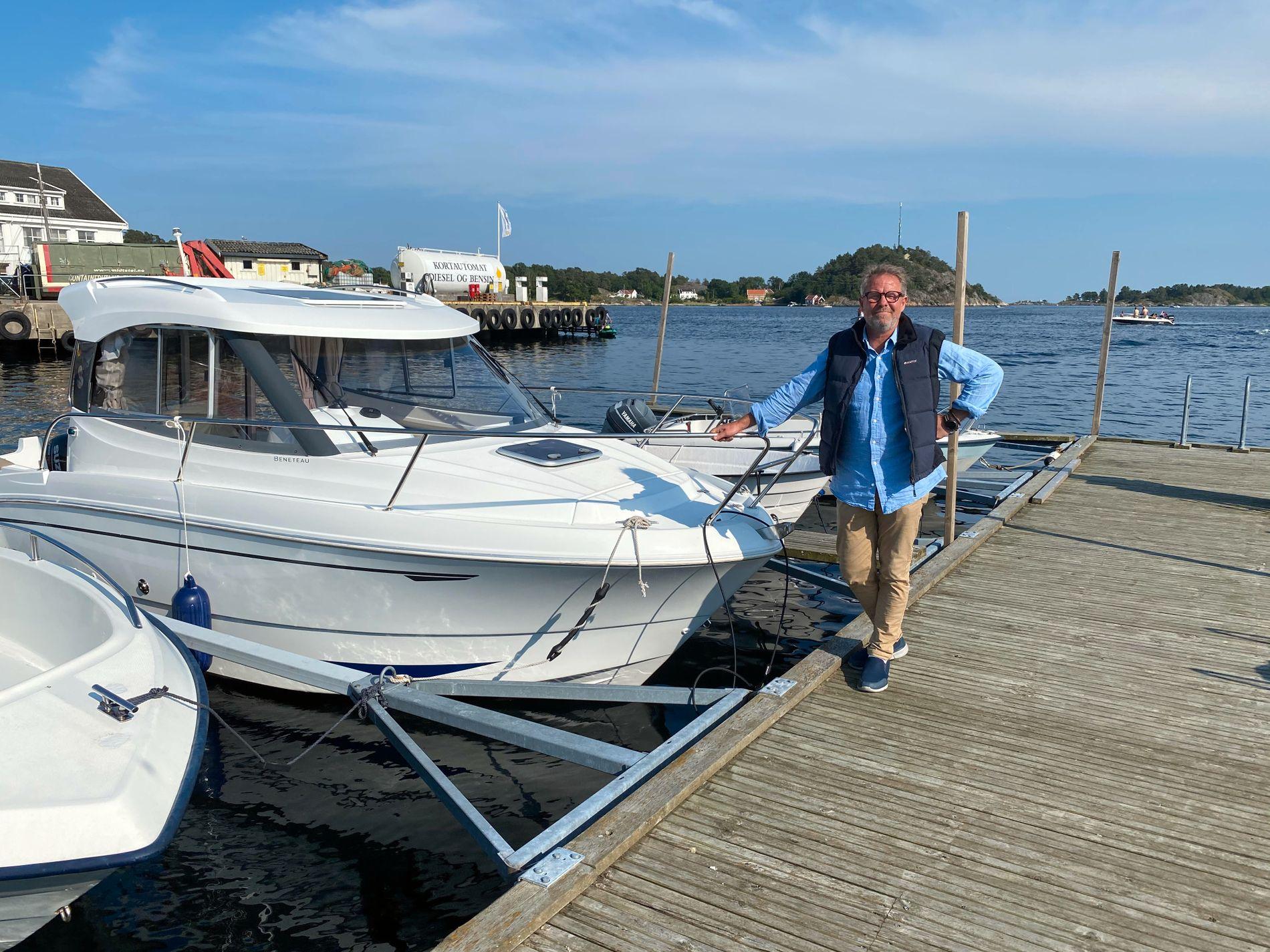 FIKK FRASTJÅLET BÅTEN: Det måtte et båttyveri til før Richar A. Nordahl lastet ned den nye appen for båtfolket. Nå får han beskjed på telefonen om båten flyttes.