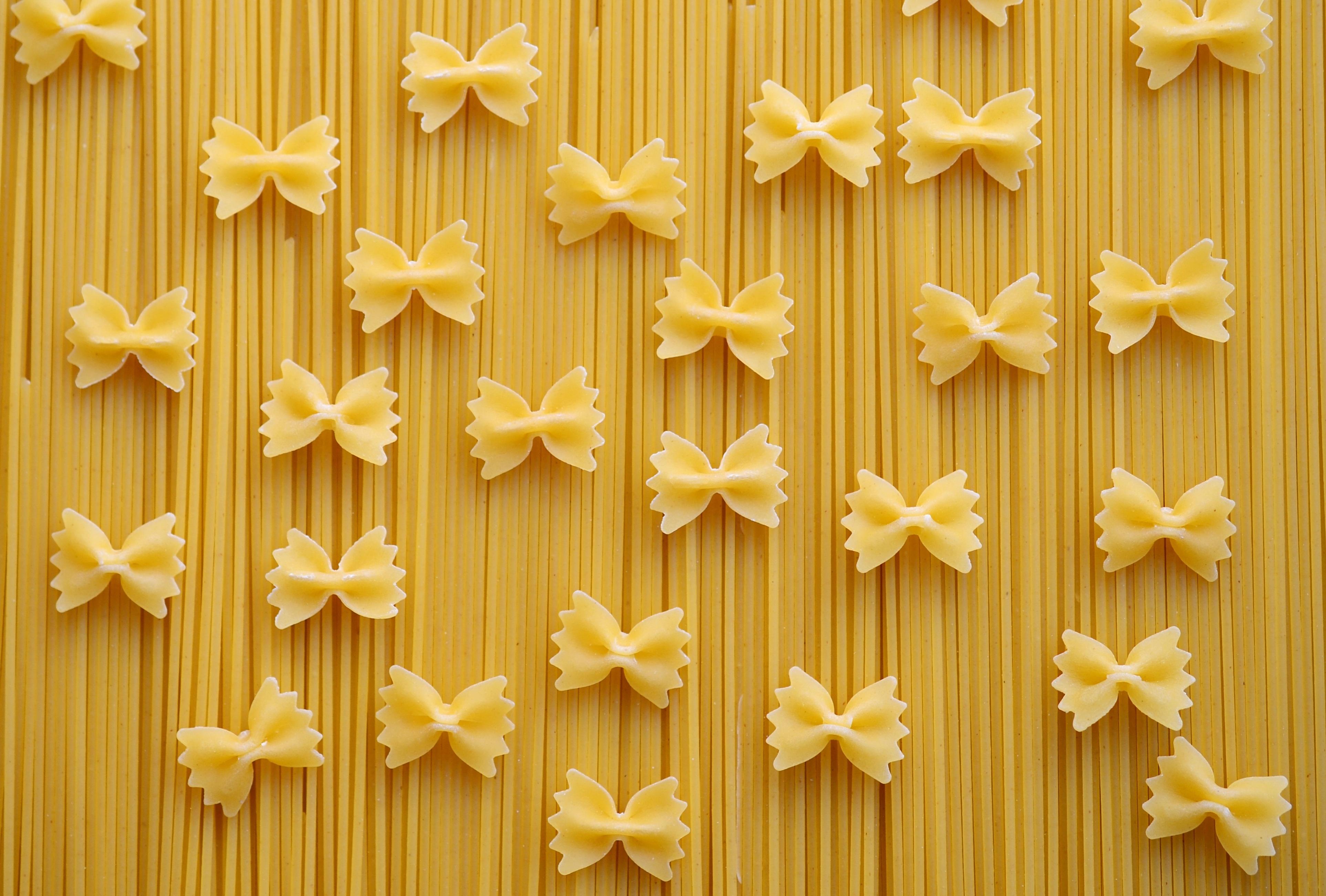 peas love pasta noodles-pasta-spaghetti-farfalle-42326 healthy-pasta