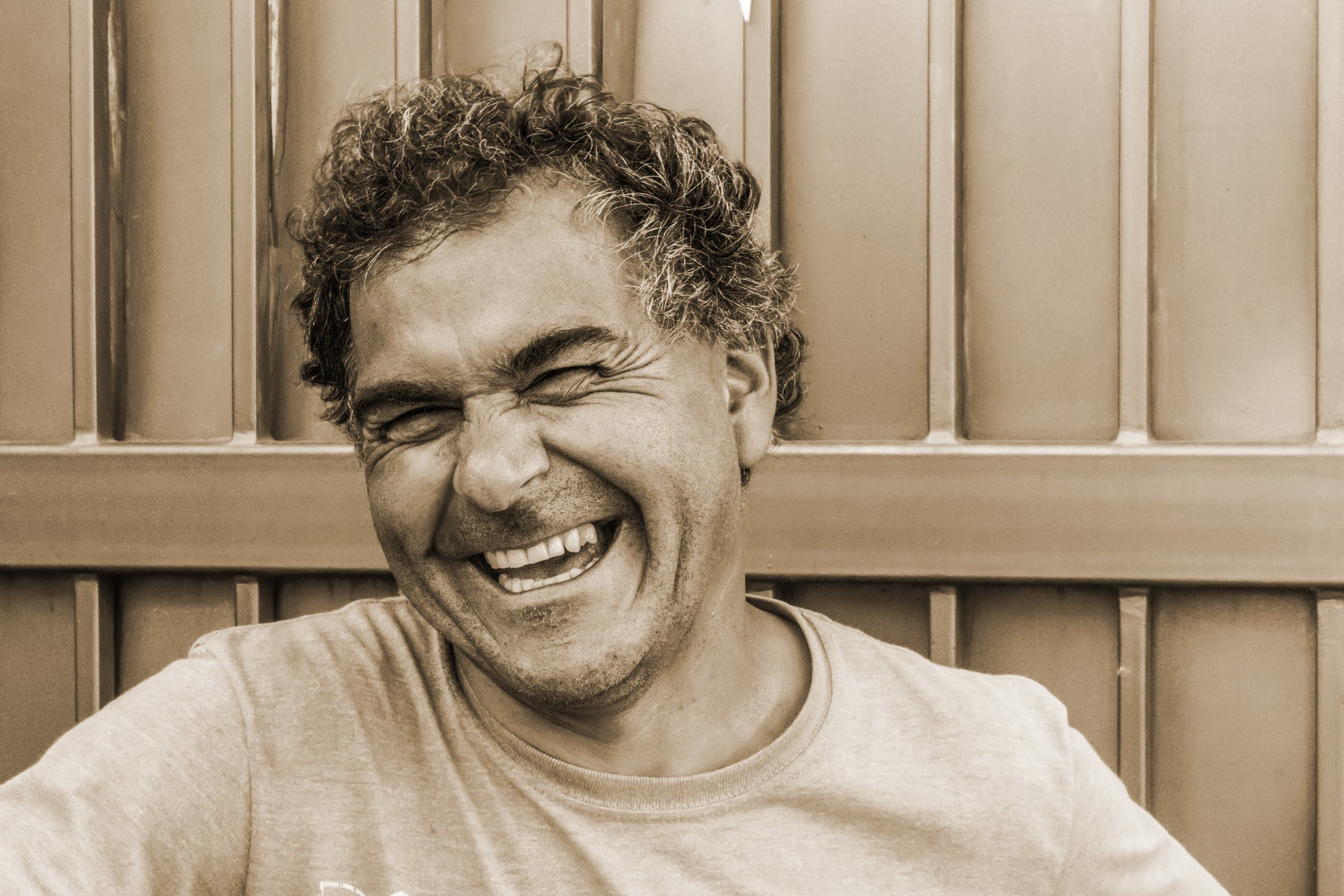 laughter|pexels-photo-682952|pexels-photo-941693