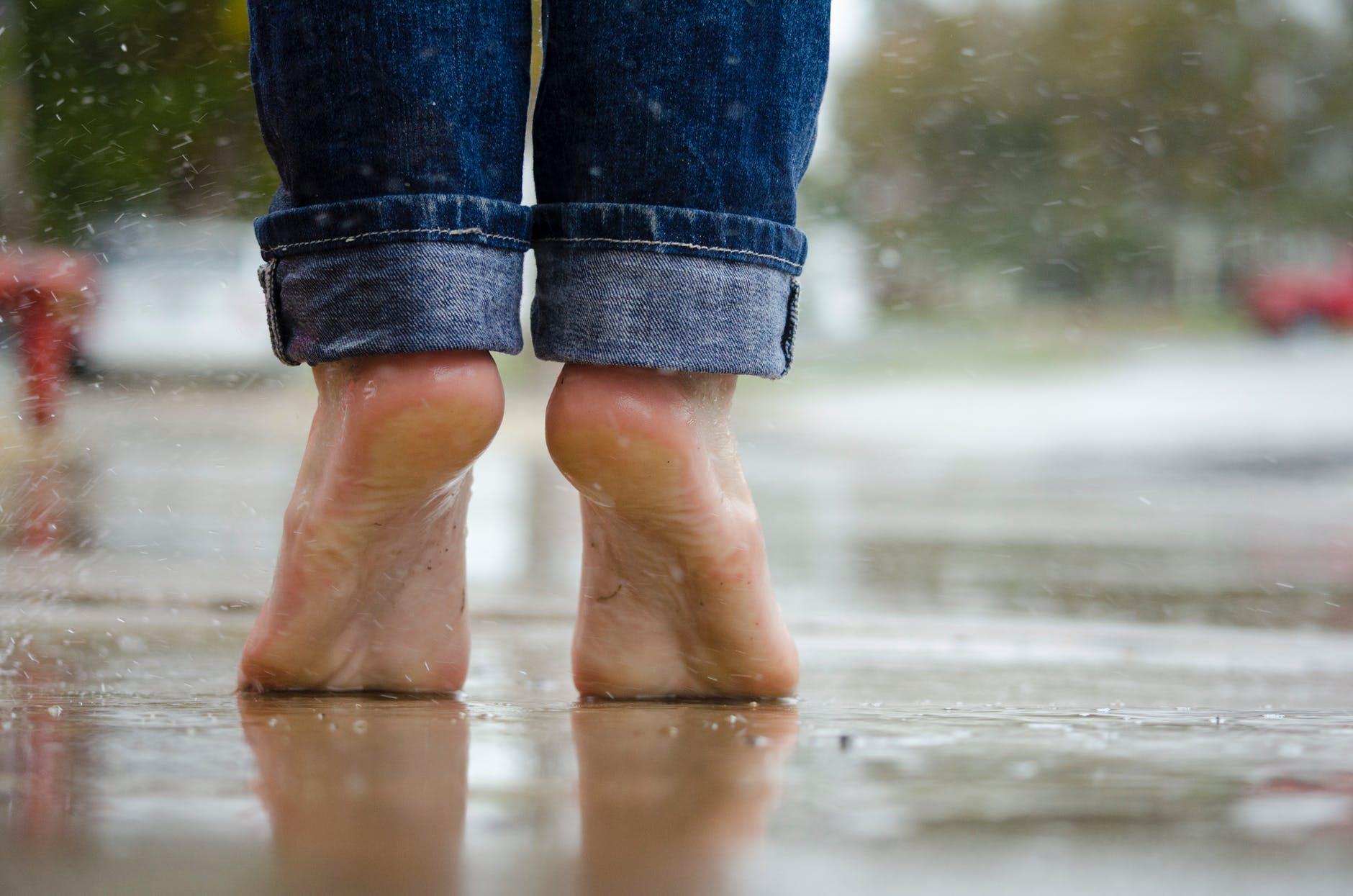 Feet and Low back pain|Feet-and-Low-back-pain