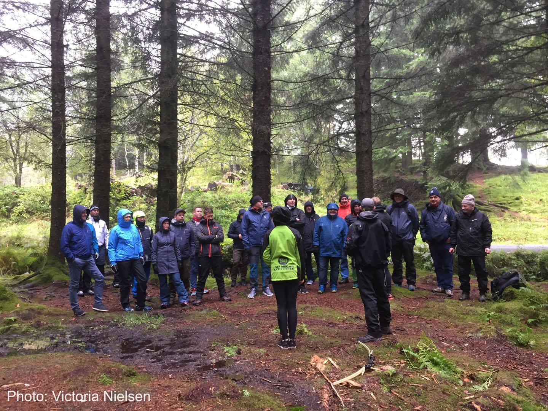 Bergen Base Camp på skogstur