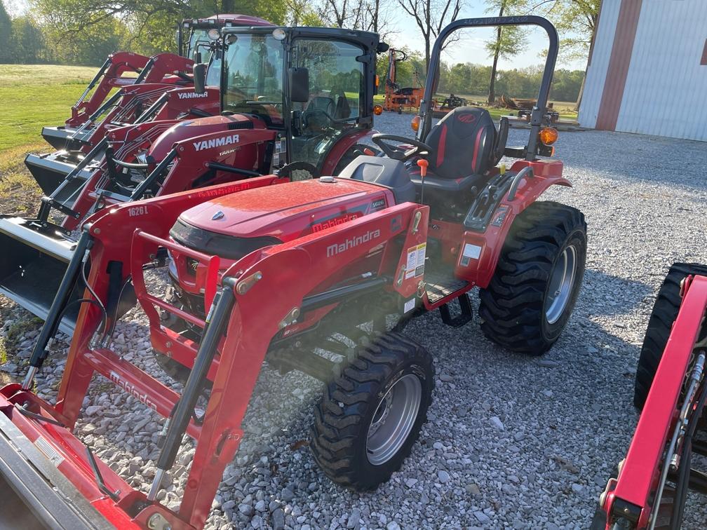 Mahindra 1626 Shuttle Tractor / Loader