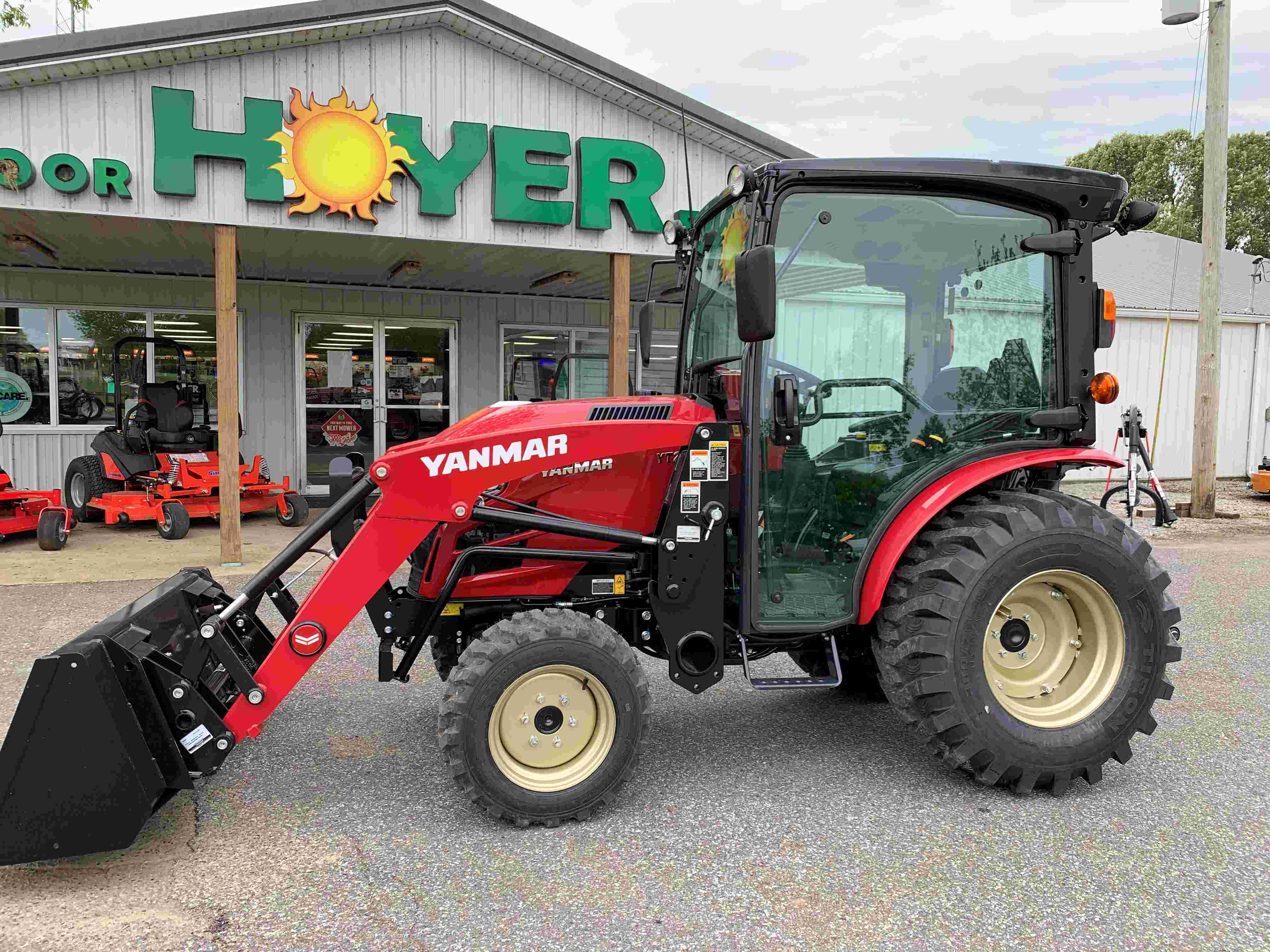Yanmar YT235 35hp HST Tractor with Cab / Loader