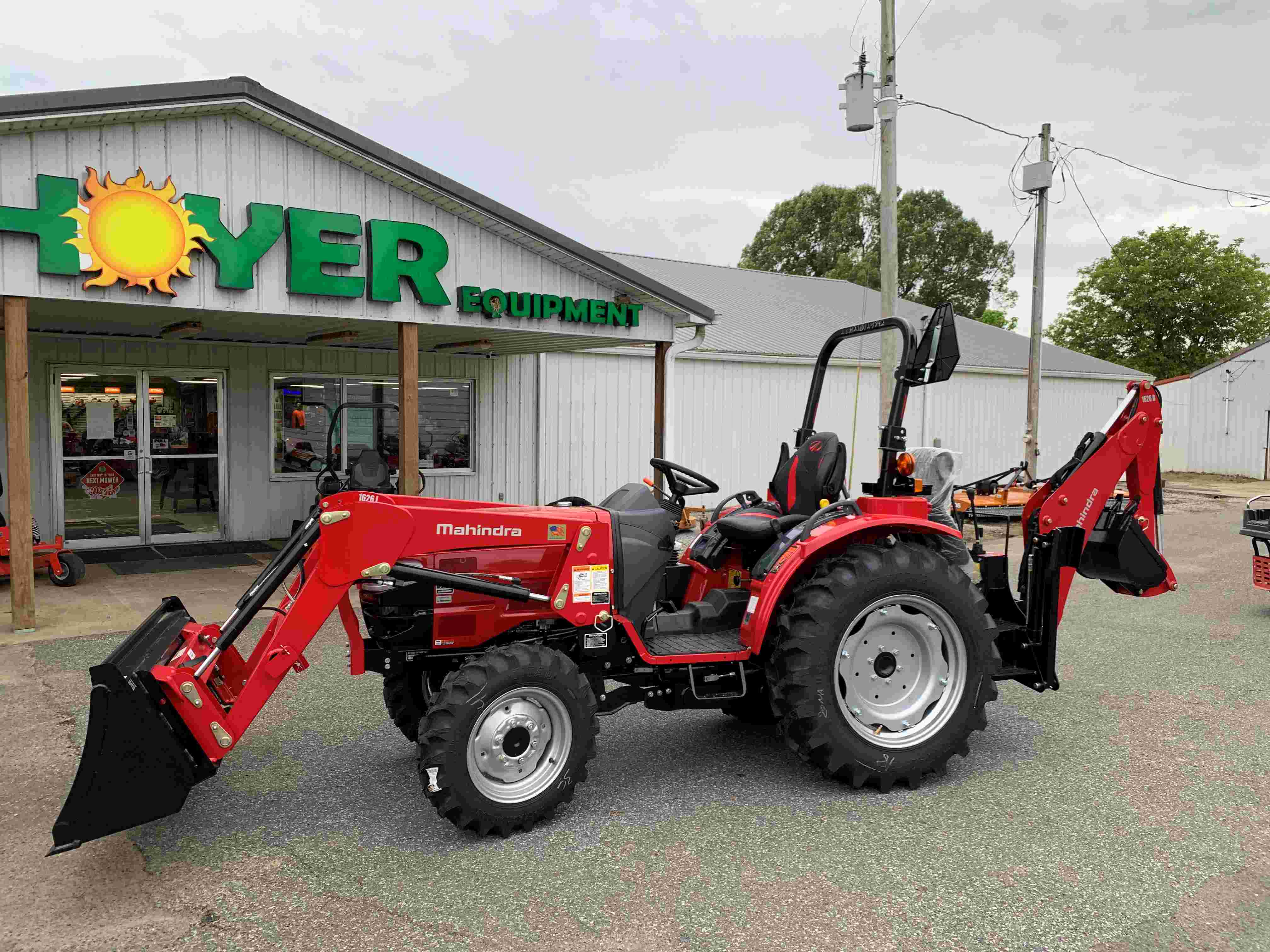Mahindra 1626 HST Tractor, w/Loader & Backhoe