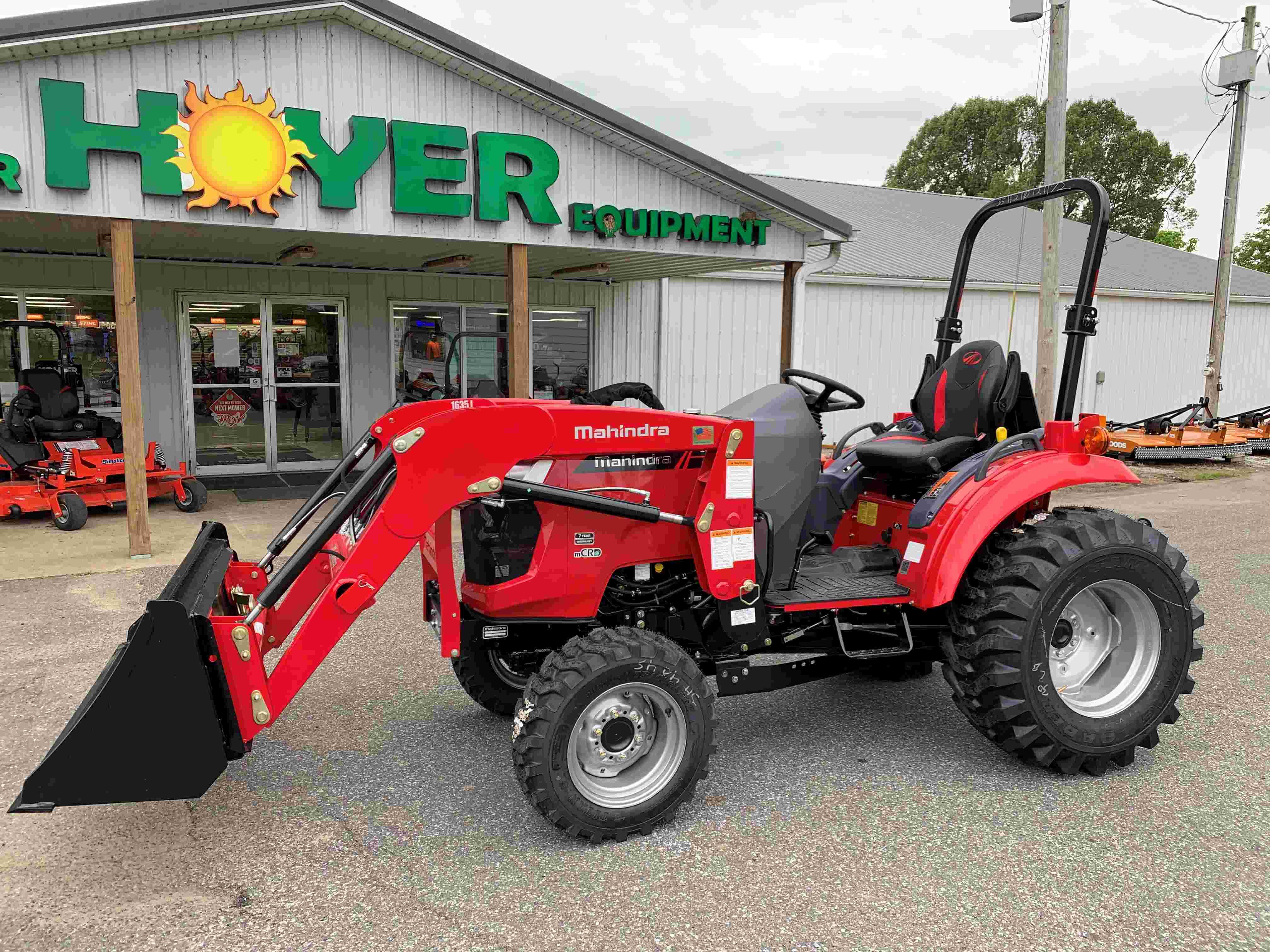 Mahindra 1635 HST Tractor w/ QA Loader