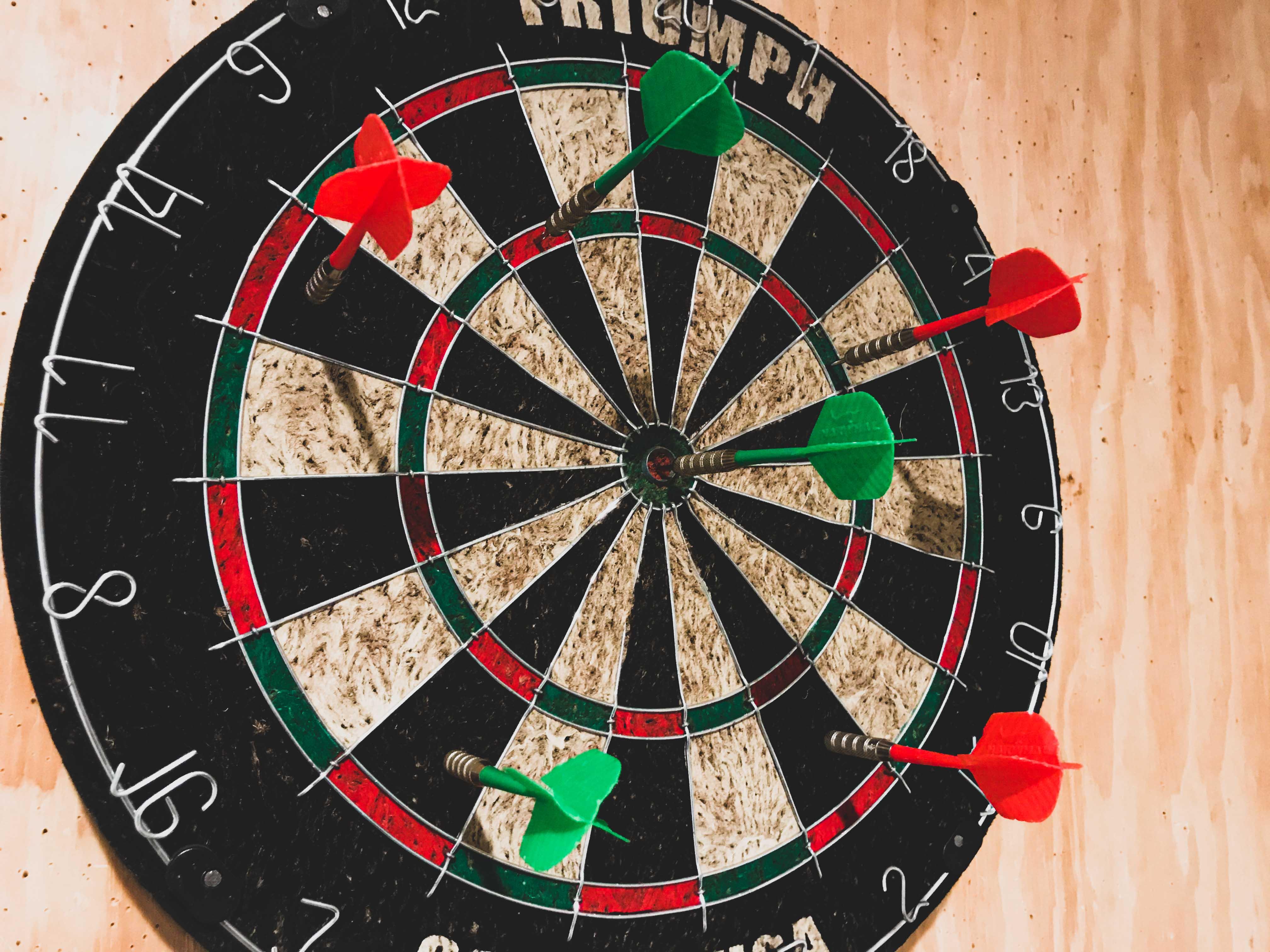 groom-room-dart-board