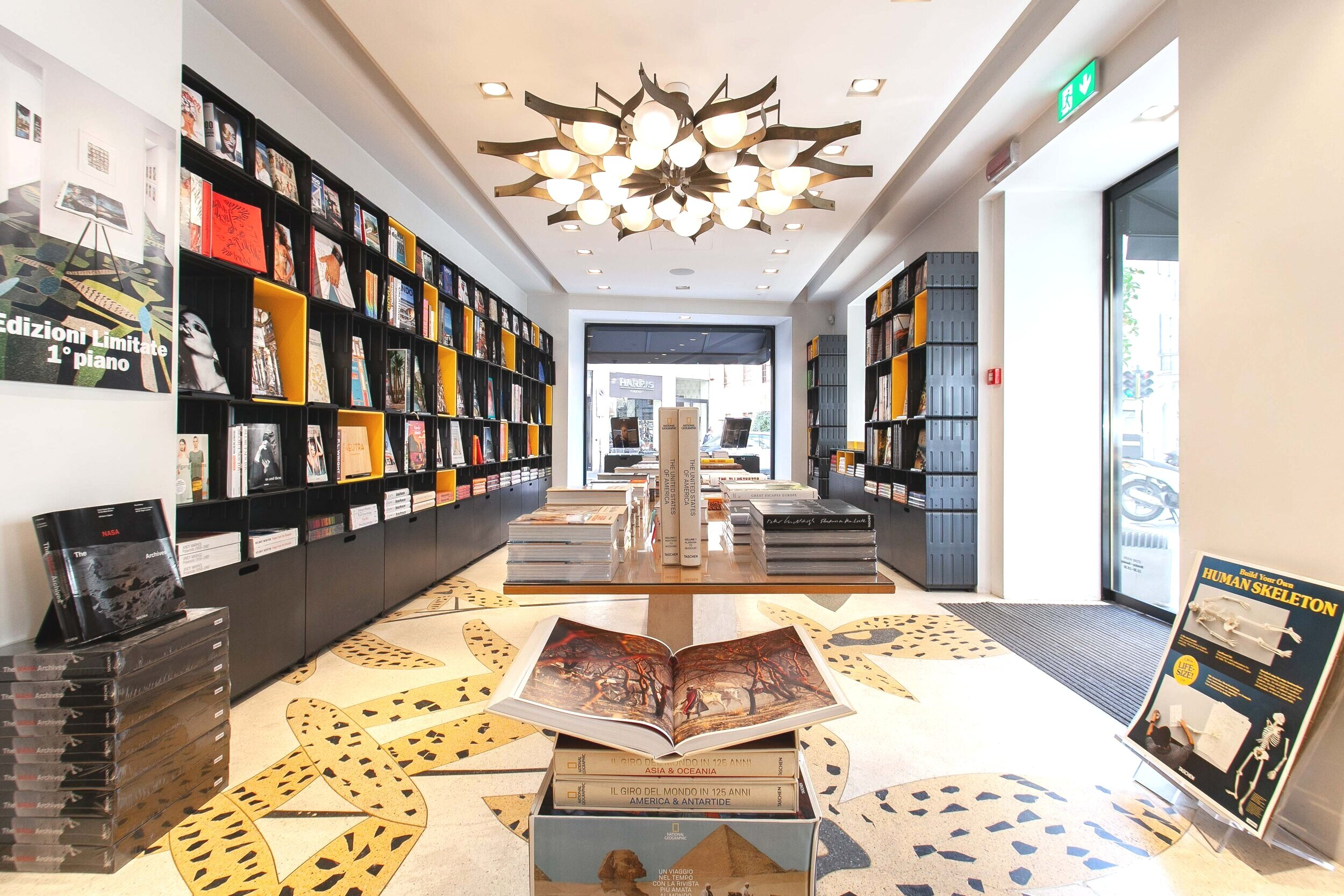 Taschen Store, Milan- Foto: IGREG STUDIO