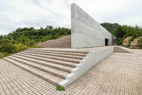 L'architettura di Tadao Ando in mostra all'Armani Silos di Milano