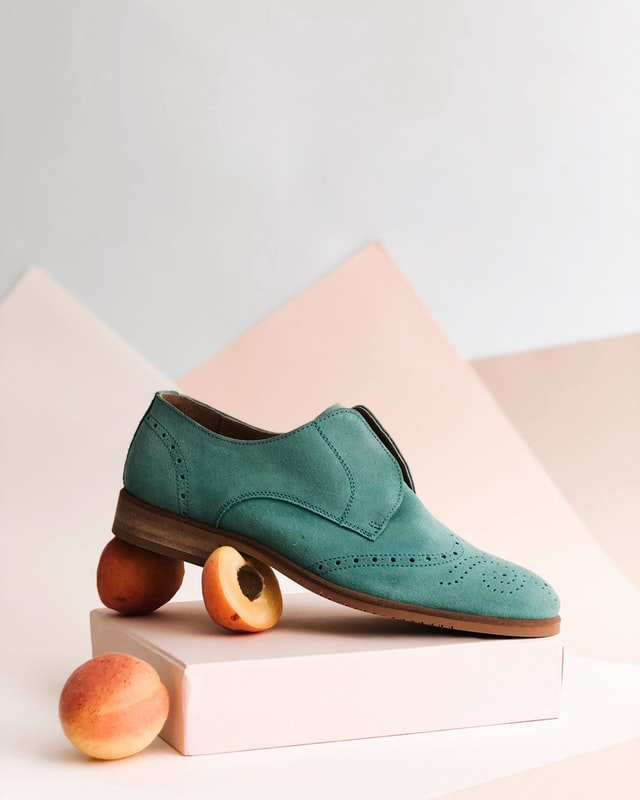 Mens Teal colored suede oxford shoe