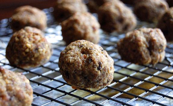 IIFYM CrossFit Soda City Macro Monday: Easy Meatballs