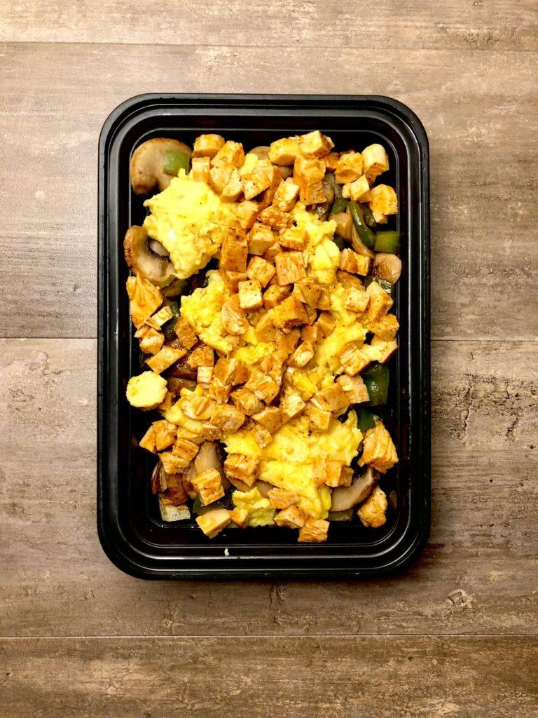 CrossFit Soda City Macro Monday Recipe - Buffalo Chicken Breakfast Scramble