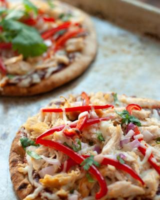 CrossFit Soda City Macro Monday Recipe - 15-Minute BBQ Chicken Personal Pizza