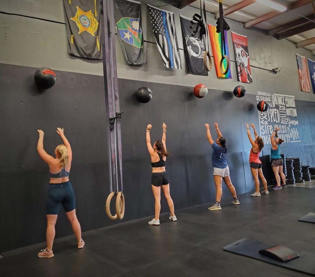 CrossFit Soda City ladies in action