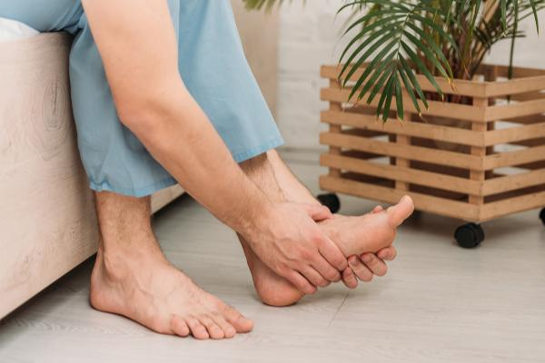 Foot Pain: Signs and Symptoms that You May Have Plantar Fasciitis