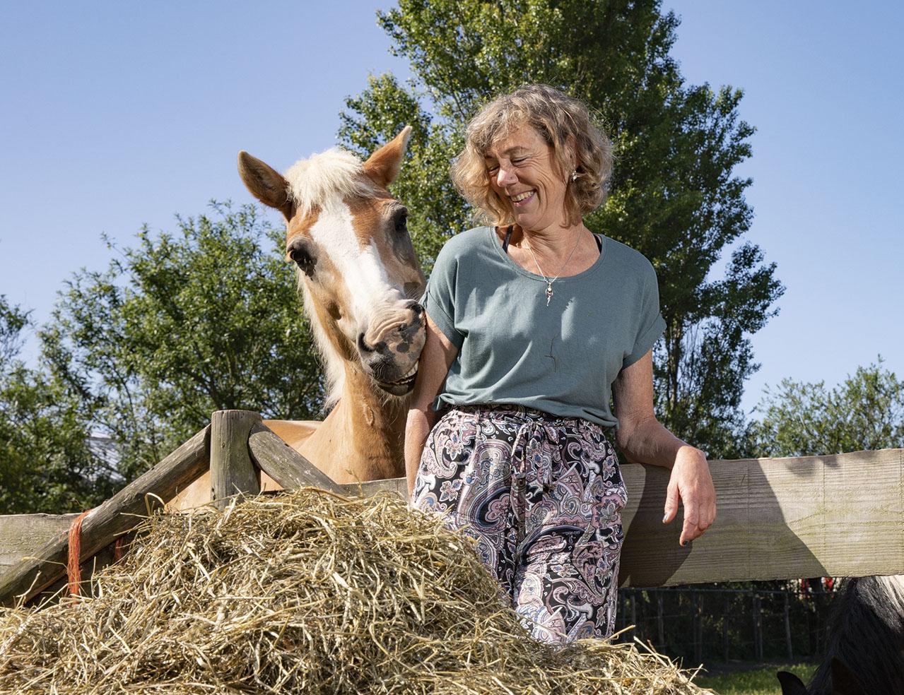 """""""Ik moet mezelf blijven ontwikkelen, anders word ik ongelukkig. Door een training met paarden heb ik meer inzicht in mezelf gekregen."""""""