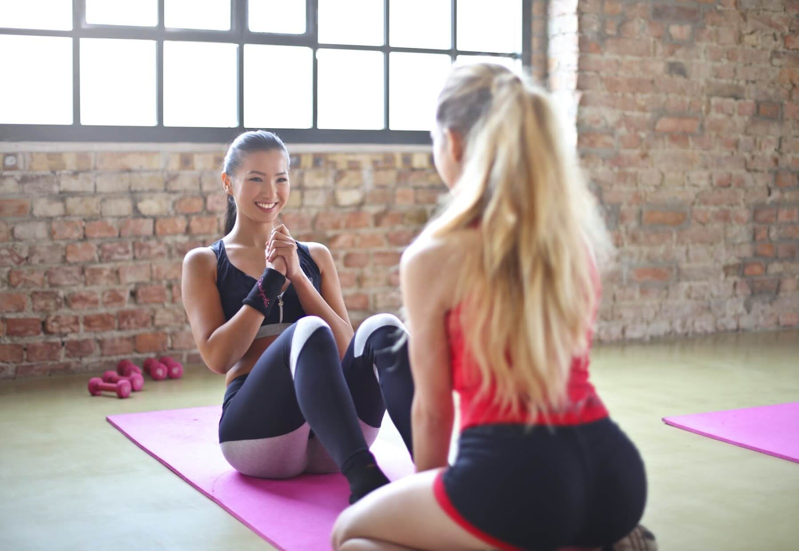 5 Reasons to Take Private Pilates Lessons Before Group Classes