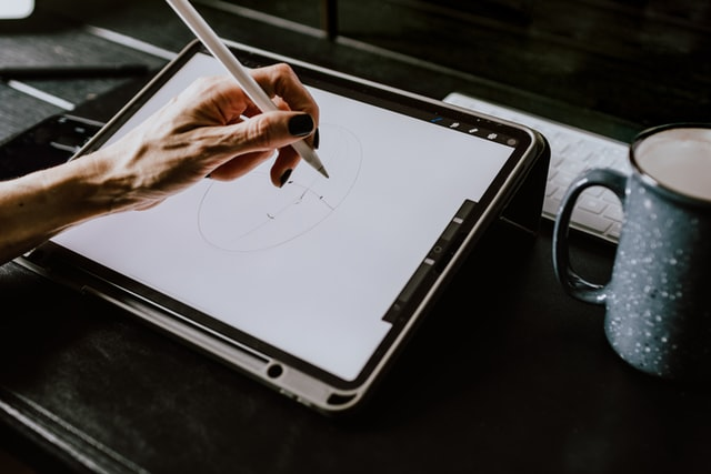 Pinch creates custom, hand-drawn animations to explain any process, product or service that you or your clients offer.