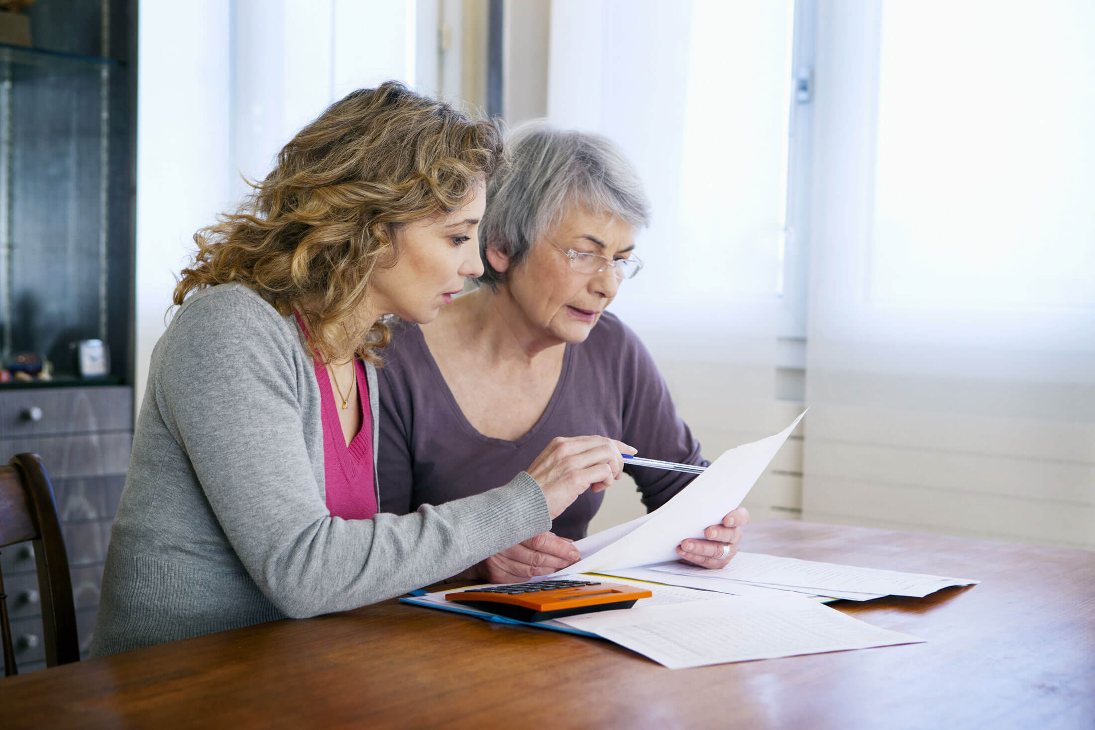 what's the difference between memory care and assisted living?