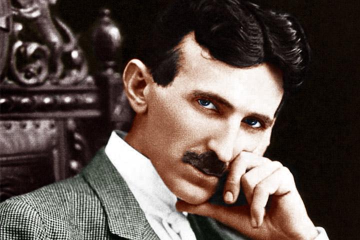Retrato colorido artificialmente do inventor Nikola Tesla