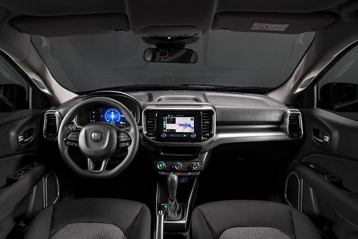 Interior da cabine da picape compacta Fiat Toro