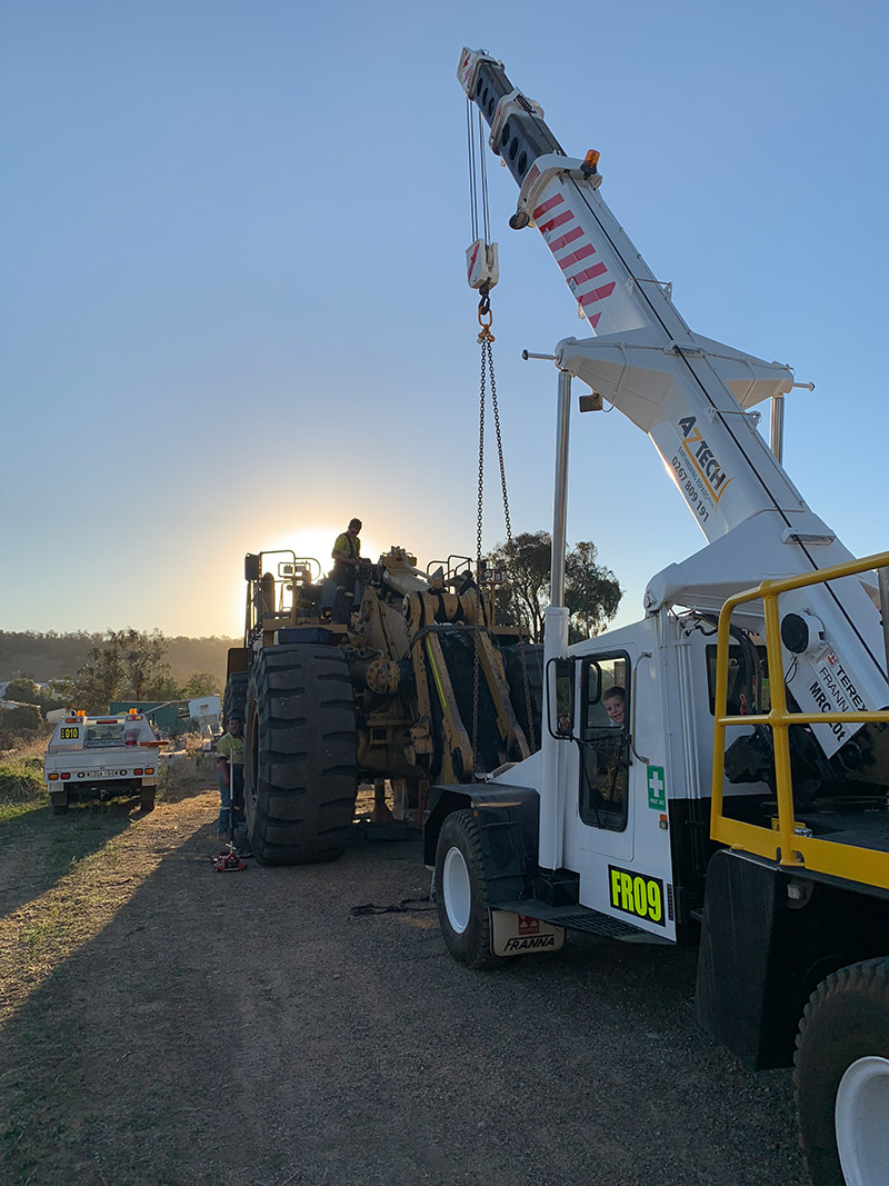 Wheeldozer truck lifter for diagnostic and repair onsite