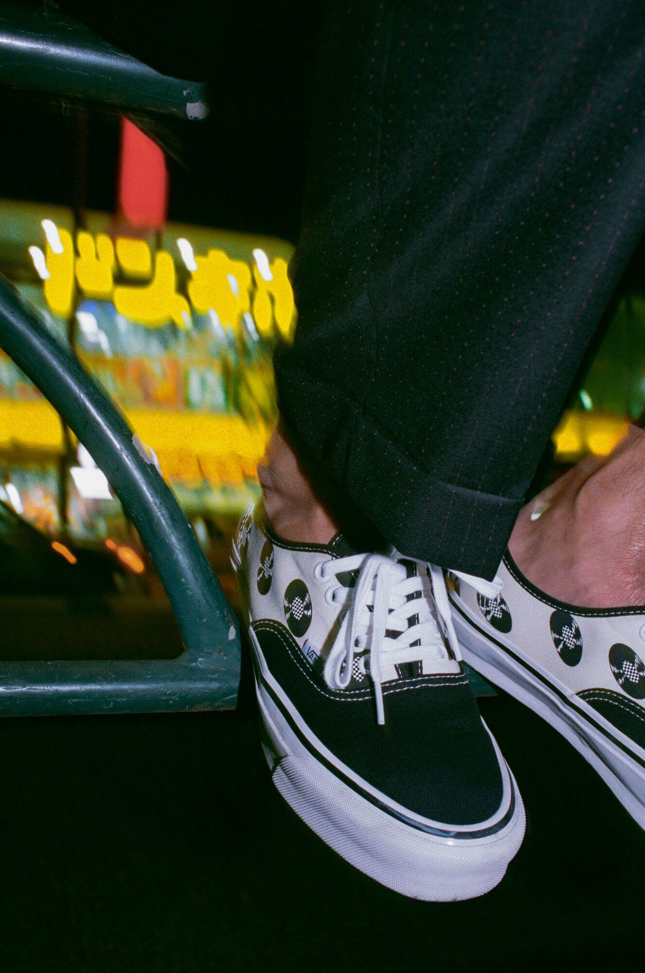 "Vans Vault x Wacko Maria OG Authentic LX ""Records"" white/black - on feet"